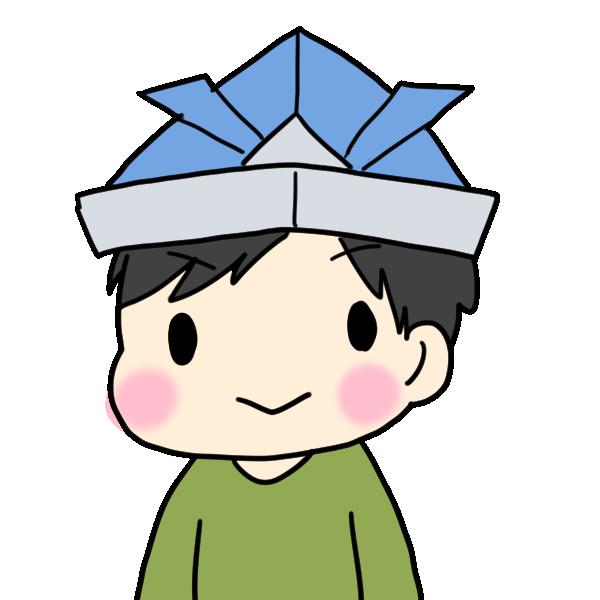 青い兜をかぶる男の子のイラスト