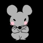 ちょこんと座るネズミ