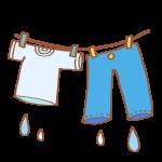 まだ濡れている洗濯物